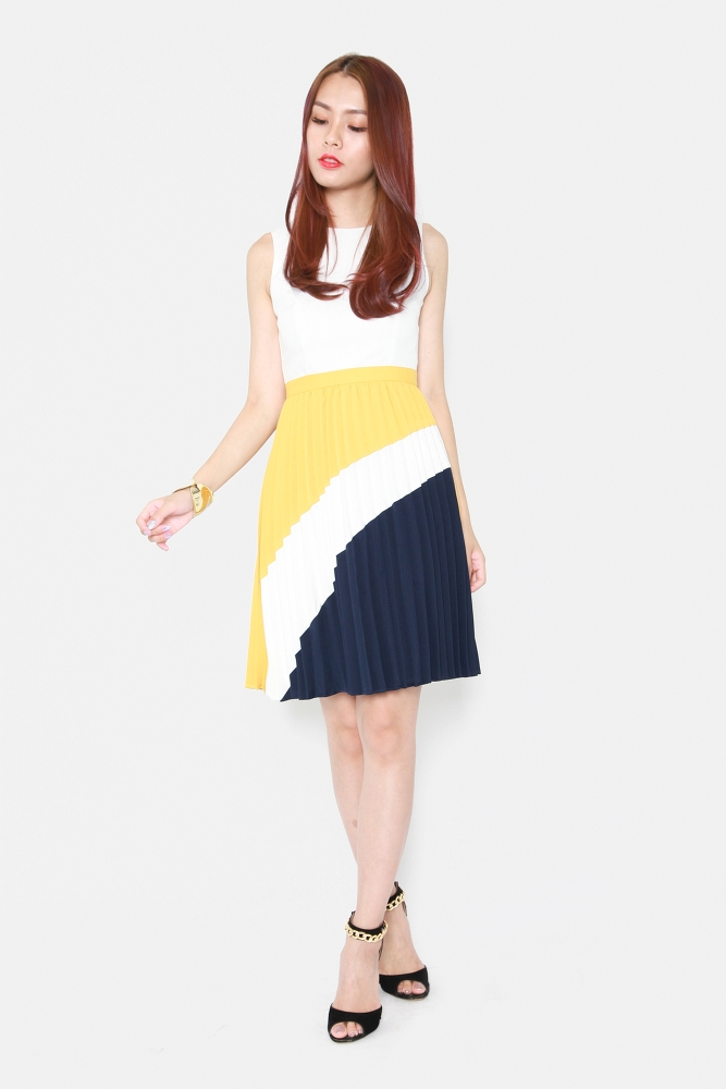 2295c0d1678 TRINITY COLOUR BLOCK PLEATED DRESS (MUSTARD)
