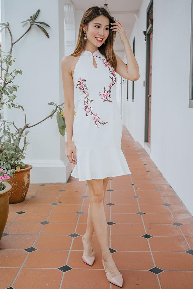 Olifaye Halter Neck Embroidery Cheongsam Dress (White)