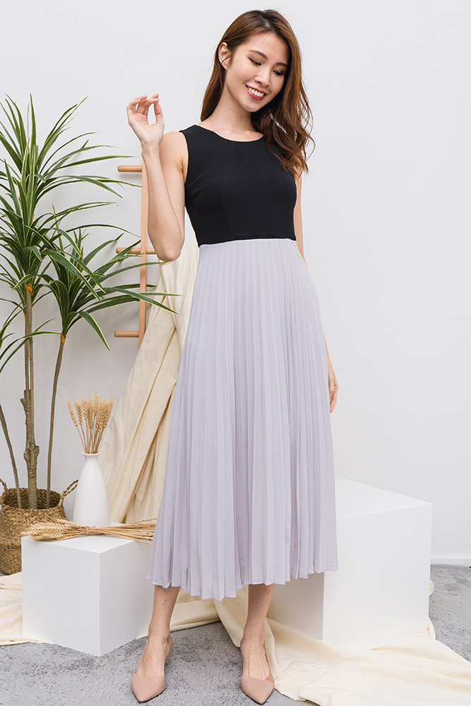 Meisel Pleated Midi Dress (Black/Pearl Grey)