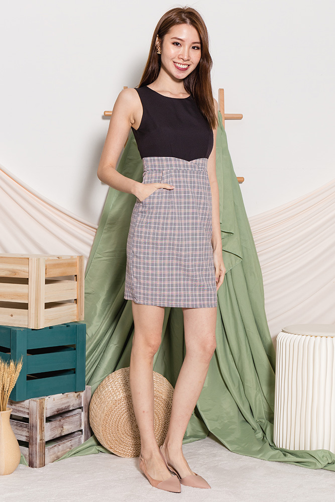 Kate Checkered Sheath Dress (Black)