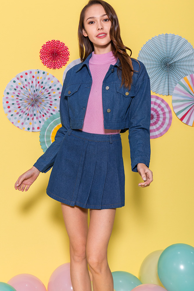 Pretty In Pleats Denim Skorts (Blue)