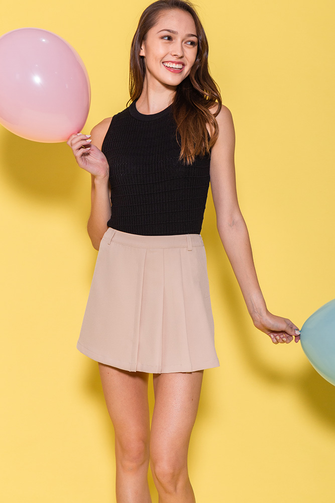 Pretty In Pleats Skorts (Ivory)