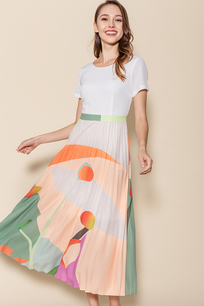 Isabella Artsy Pleated Midi Dress (White)