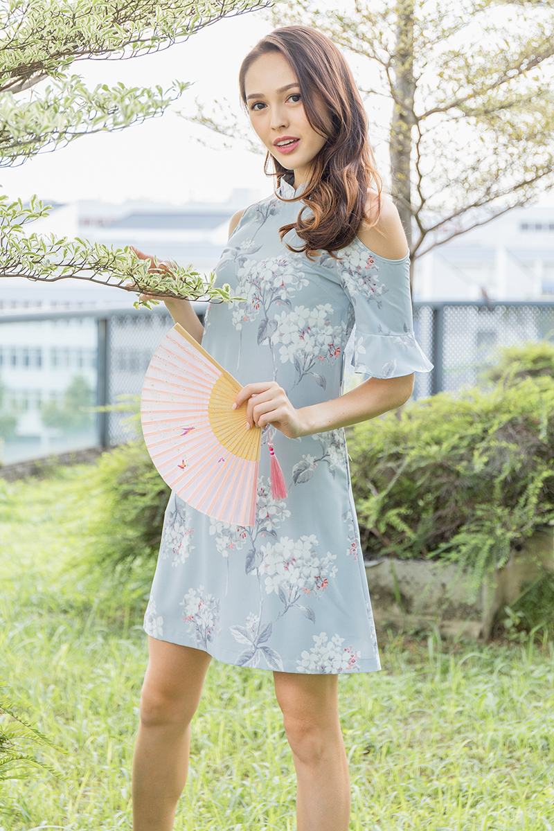 White Peony Cold-Shoulder Cheongsam Dress (Pearl River Gray)